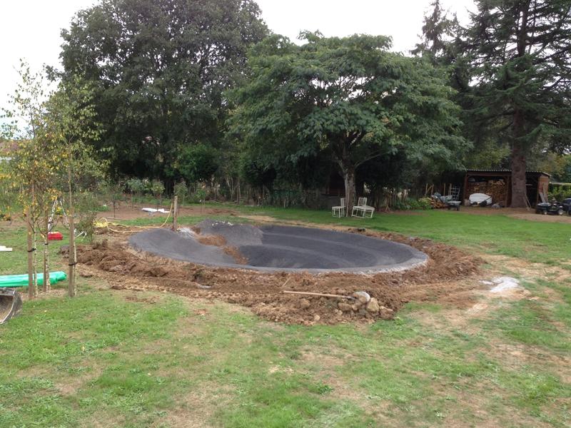 Am nagement d 39 un bassin de jardin meritein 64 despaux cr ation jardins for Creation d un etang de jardin